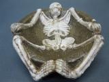Gusseisen Aschenbecher Gothic Dekoration 14 cm mit Gerippe Skelett