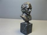 Einstein Büste 33cm Gusseisen auf Marmor Sockel