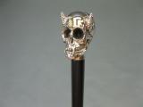 Edler Holz Sammler Gehstock Wanderstock Spazierstock Gothic Skull silbern 94cm